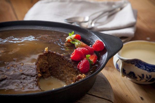 Sticky Toffee pudding (for 4/6)