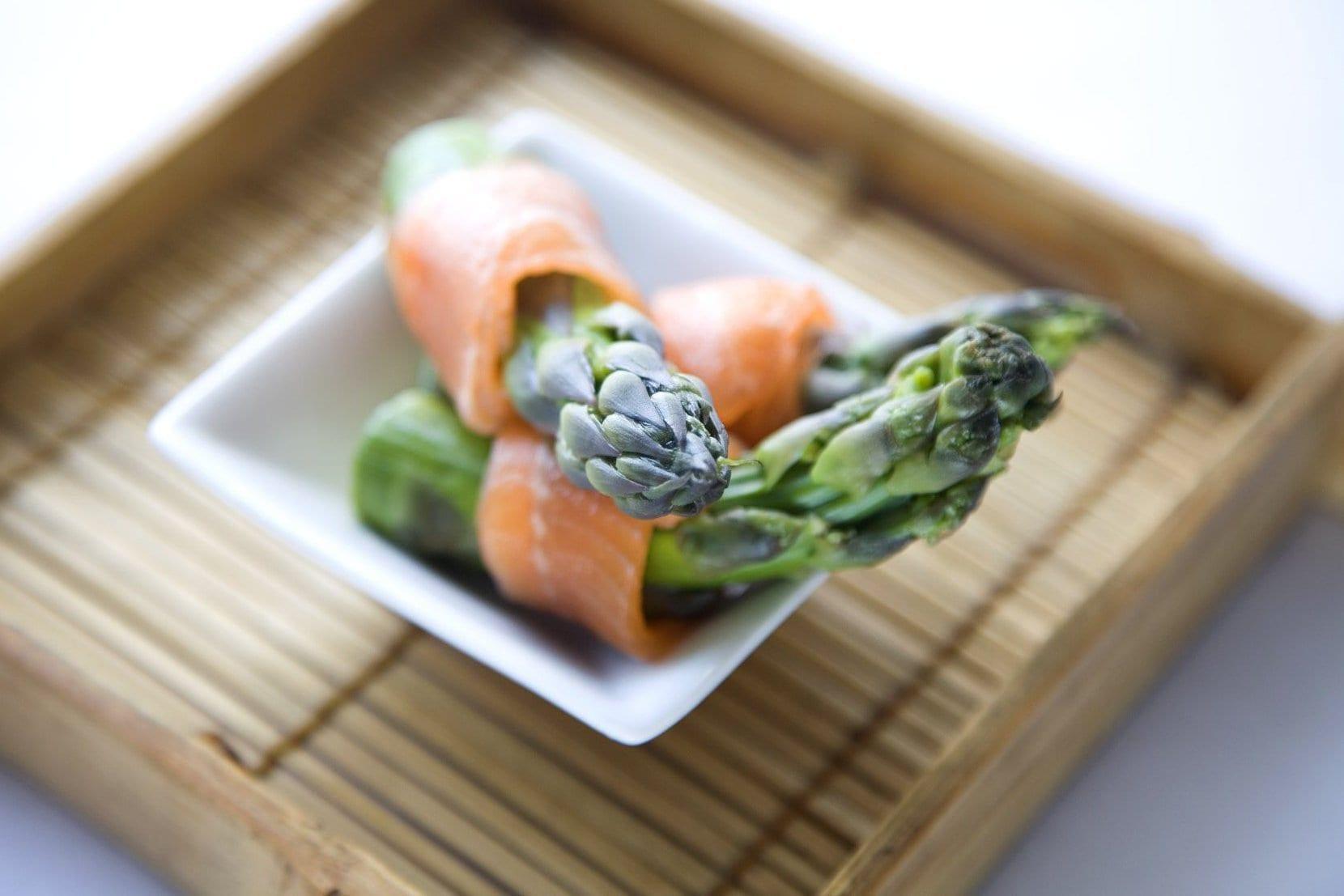 Asparagus & Smoked Salmon Ribbons - DishFood